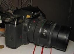 Pentax SF10 kit - Includes: 35mm film camera and Takumar 28-